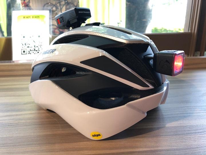 【今人気のライトマウント付きヘルメット】Circuit MIPS Asia Fit