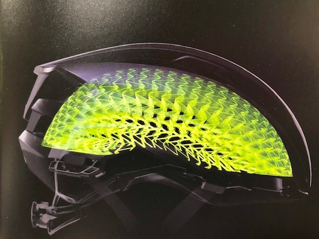 【全く新しいヘルメット登場・WaveCelヘルメット】